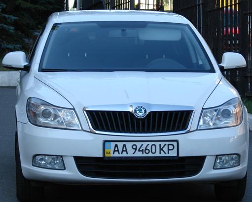 Автомобіль Skoda Oktavia A5 та основні засоби, а саме: Skoda Oktavia A5,об`єм двигуна  1,6, рік випуску 2011року,номер кузова TMBCA41Z7СB150582, номер державної реєстрації АА9460КР (Інв.№ 41220021), місцезнаходження: м. Київ, бул. Дружби народів, 38  та Основні засоби*: Система GPS моніторінг (модель MVT380) Пристрій №45731920136 (Інв.№ 50232468938), що розташований за адресою: м. Київ, бул. Дружби народів, 38; Відеокамера eneo 1327B-IP/W3 (Інв.№502324777139), що розташований за адресою: м. Київ, вулиця Довженко,3 (склад). *Банк має право змінювати адресу місцезнаходження ТМЦ.