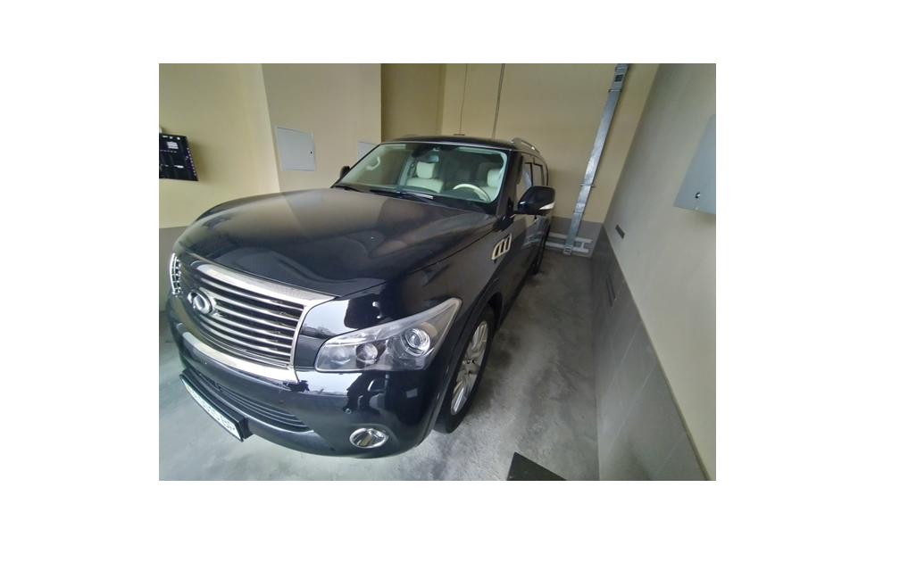 Легковий автомобіль (універсал-В легковий) INFINITI QX56, 2011 року випуску, номер кузова JN1JANZ62U0001998, номер державної реєстрації AA0015BP, інвент. номер 10071