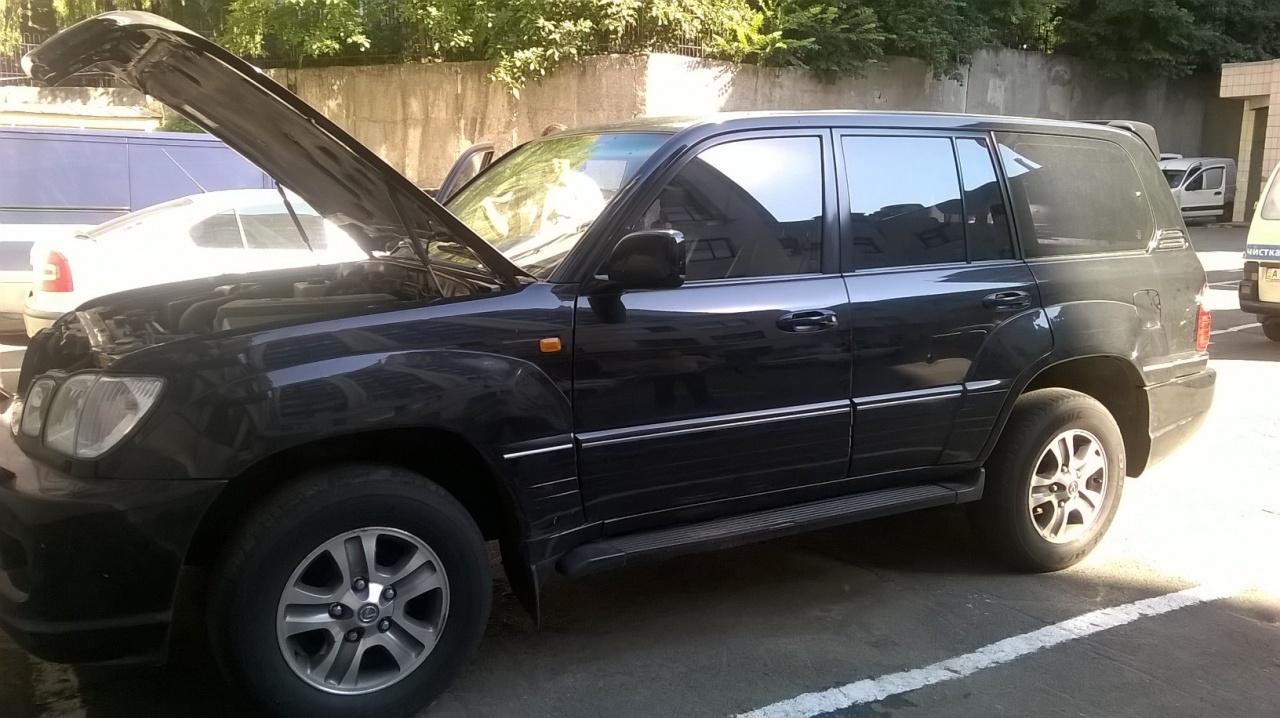 Транспортний засіб - легковий автомобіль Lexus LX 470, реєстраційний номер 55-108 КА, рік випуску – 2003, об'єм двигуна – 4664, колір – чорний